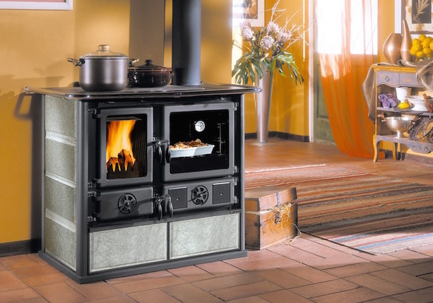 Stufa o camino termostufa e termocamino arte camini - Stufa a legna acqua calda ...